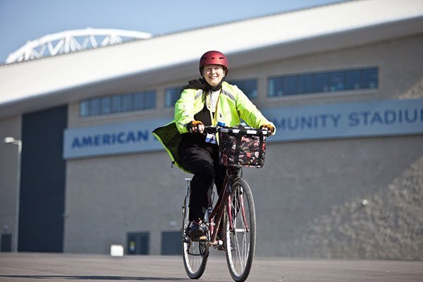 cyclist-brighton-and-hove-amex